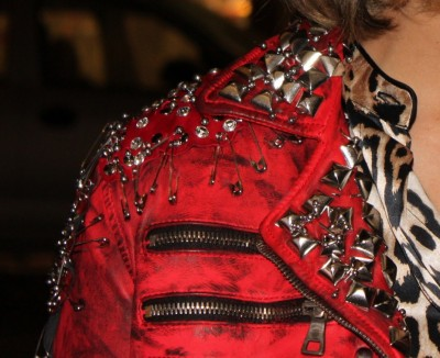 Detalhe da jaqueta desejo absoluto da Bia Antony